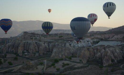 В Турции упали три воздушных шара с иностранными туристами