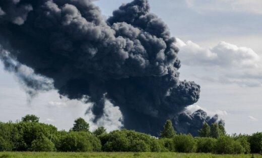 Пожар в Юрмале локализован, движение по Вентспилсскому шоссе частично открыто