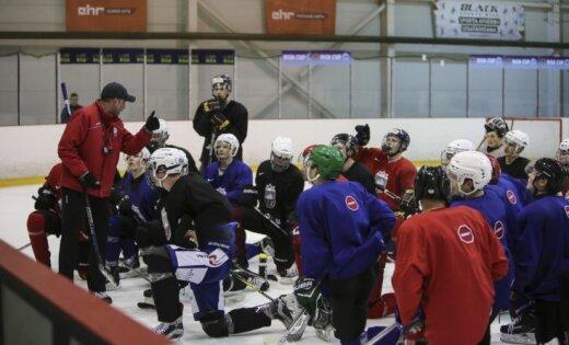 Foto: Pēdējie darbi pirms pasaules čempionāta – Latvijas U20 hokeja izlase uzsāk treniņnometni