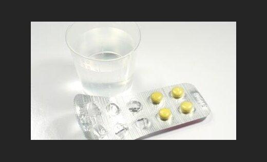 Lieltirgotava pārtrauc zāļu piegādi 'Stradiņiem'; slimnīca zāles tomēr saņemšot