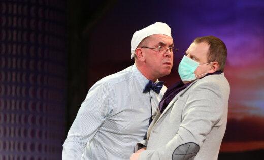 Foto: 'Mīlestība līdz prāta zudumam' Daugavpils teātrī