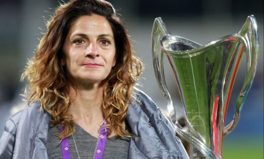 Bijusī Itālijas futbola zvaigzne kļūs par pirmo sievieti – valstsvienības treneri