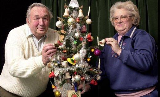 Pensionārs Ziemassvētkos jau 78 gadus izrotā vienu un to pašu eglīti