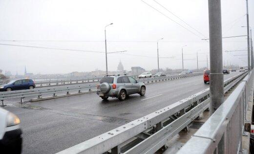 Salu tilta pārbūves darbu projektēšanu un autoruzraudzību veiks 'Vertex projekti' un 'Inženierbūve'