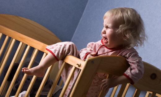 Юрист: власти Англии регулярно отбирают детей. Ничего не подписывайте, бегите в посольство