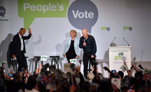 Lielbritānijā uzsāk kampaņu par referendumu 'Brexit' vienošanās jautājumā