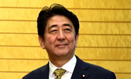 Кучинскис призвал прибывшего в Ригу премьера Японии как можно скорее заключить торговое соглашение с ЕС