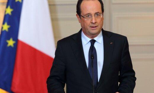 Олланд отказался участвовать ввыборах из-за давления семьи