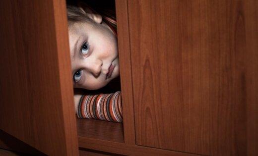 Kādēļ audzināšanas nolūkos nedrīkst un nevajag biedēt bērnu ar raganām un zobgraužiem