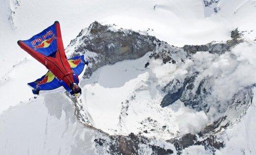 В Непале разбился известный российский бейсджампер Валерий Розов