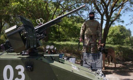 Krievija cels sētu starp anektēto Krimu un pārējo Ukrainu