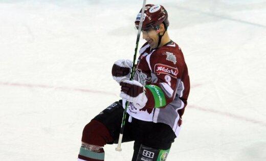 VIDEO: Rīgas 'Dinamo' uzvar regulārās sezonas pēdējā spēlē