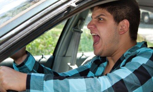 ДБДД представила портрет агрессивного латвийского водителя