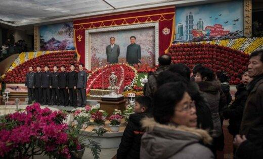 Ziemeļkoreja neatzīs vadoņa pusbrāļa līķim veikto autopsiju