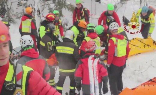 Из заваленного лавиной отеля в Италии извлекли тела семи погибших