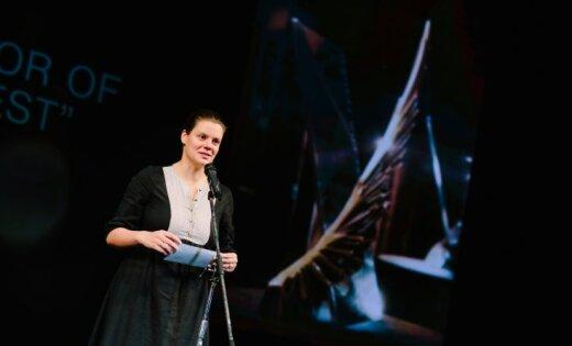 Российская поэтесса Вера Полозкова представит в Риге новый спектакль