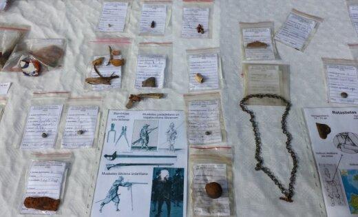 Noslēgušies arheoloģiskie izrakumi Šlokenbekas muižā