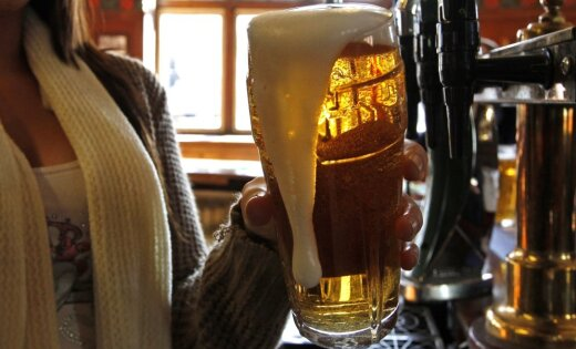 Производство пива в Латвии рухнуло почти на 30%