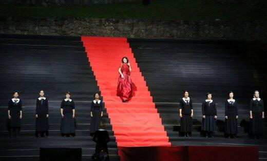 Flamenko operas 'Ainadamar' uzvedums Cēsīs vēl gadu būs pieejams tiešsaistē