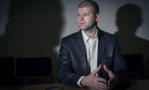 Deniss Čalovskis atgriezies Rīgā