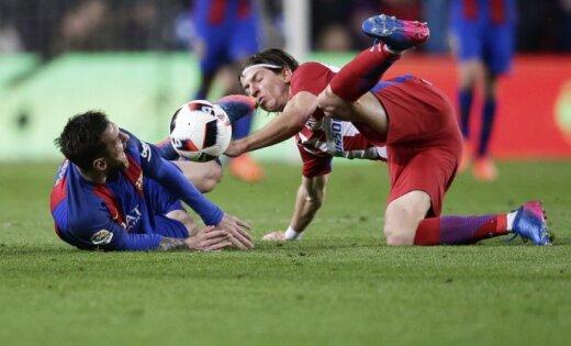 «Барселона» сыграла вничью с«Атлетико» ивышла вфинал Кубка Испании