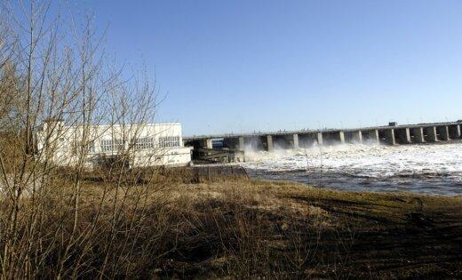 Rīgas HES ūdenskrātuvē pakāpeniski atjaunos ūdenslīmeni