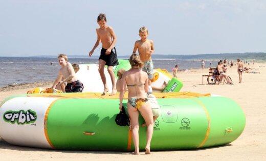 Рижские пляжи готовы к сезону; в Вецаки впервые поднимут Голубой флаг