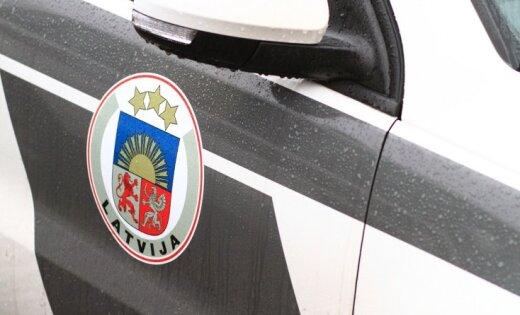 Avārijā uz ceļa Jelgava–Dobele cietuši pieci cilvēki; satiksme atjaunota