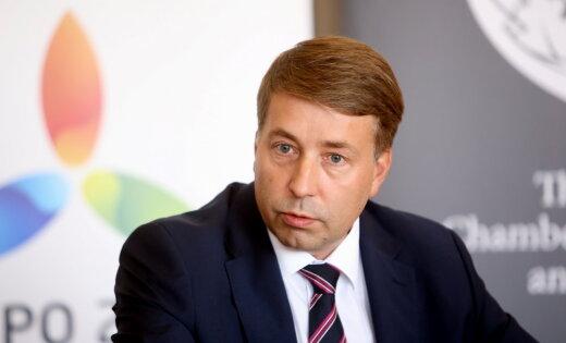 Augulis pārrunā sadarbību ar Uzbekistānas vēstnieku Artikovu
