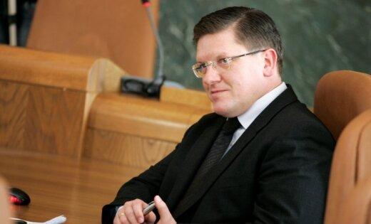 Bijušo deputātu un ministru Segliņu ieceļ 'Rīgas namu' valdē
