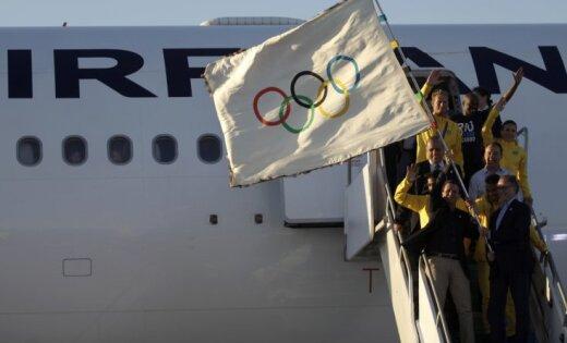 Olimpiskais karogs nogādāts Riodeženeiro