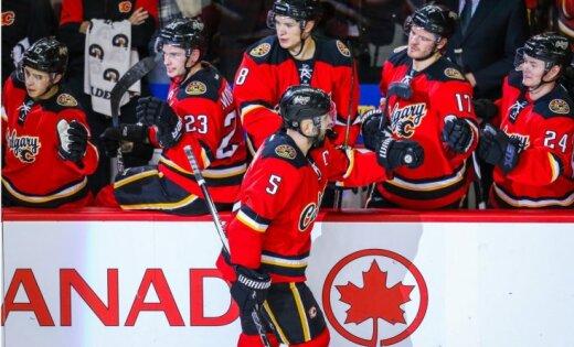 Ķīnas muita 'norauj' divu NHL klubu treniņnometni