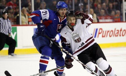 Bļugeru NHL draftā izvēlas negaidīti augsti otrajā kārtā