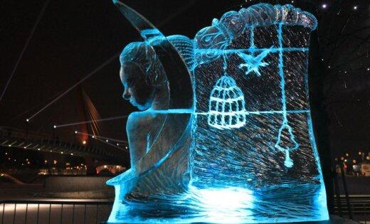 """ФОТО: В Елгаве открылся Международный фестиваль ледовых скульптур """"Мечты"""""""