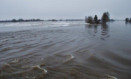 Lielupē augšpus Jelgavas ūdens līmenis augstākais kopš 2010.gada paliem