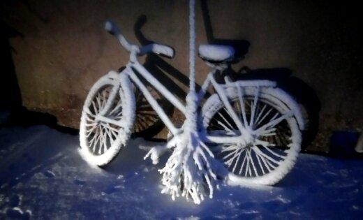 Marta sniegs apklāj Latviju jeb 'Nekur nebrauksi un nekur nelidosi'