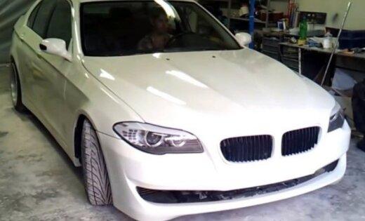 Очередной болгарский шедевр: умельцы переделали старый BMW в новейшую модель