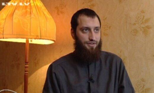 Лидер исламского центра Латвии покинул страну, примкнул к террористам и славит джихад