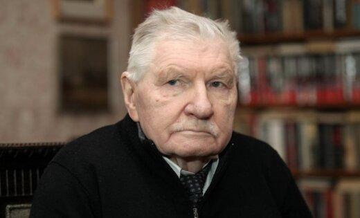 Умер известный присяжный адвокат Александр Огурцов