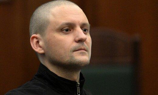 Удальцову запретили три года посещать массовые мероприятия и выезжать из Москвы