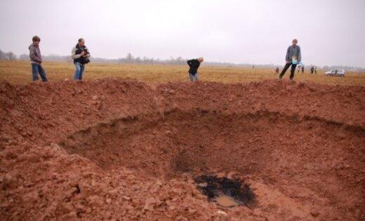 Speciālists: Mazsalacā nokritis dūres lieluma meteorīts