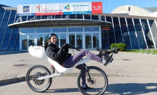 Foto: Elektromobiļi un Latvijas izgudrotāju veikums izstādē 'Vide un enerģija'