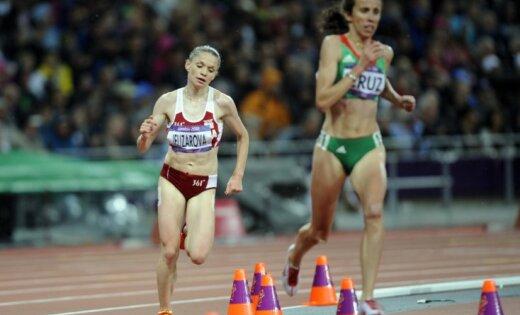 Jeļizarova Londonas Olimpiādes 3000 metru šķēršļu skrējienā finišē 13.vietā