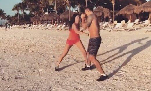Usiks brīvdienās Meksikā trenējas kopā ar sieviņu