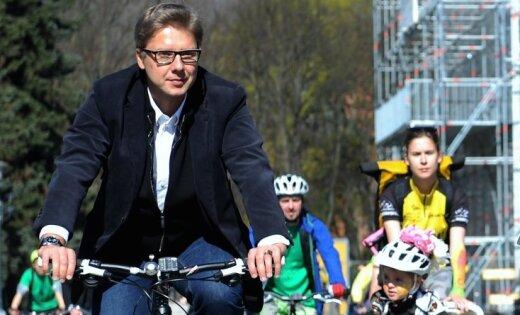 Ушаков: простите, водители, но велодорожек будет еще больше