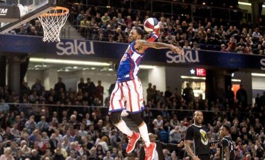 Video: Tallinā plosās slavenie 'Harlem Globetrotters' basketbolisti