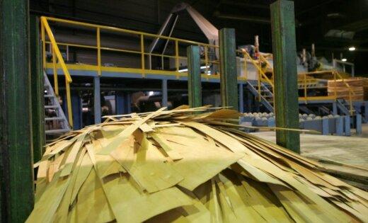 'Latvijas Finieris' Igaunijā atklāj atjaunoto bērza saplākšņa rūpnīcu