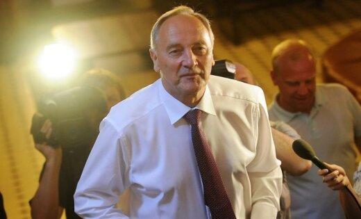 Ar otro piegājienu par prezidentu ievēlēts eksbaņķieris Andris Bērziņš