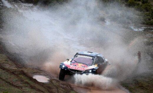 Pamatīga Peteransela neveiksme ļauj Sainsam pārņemt Dakaras kopvērtējuma vadību