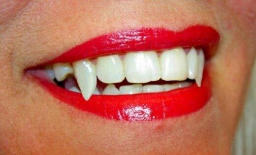 Как сделать клыки вампира